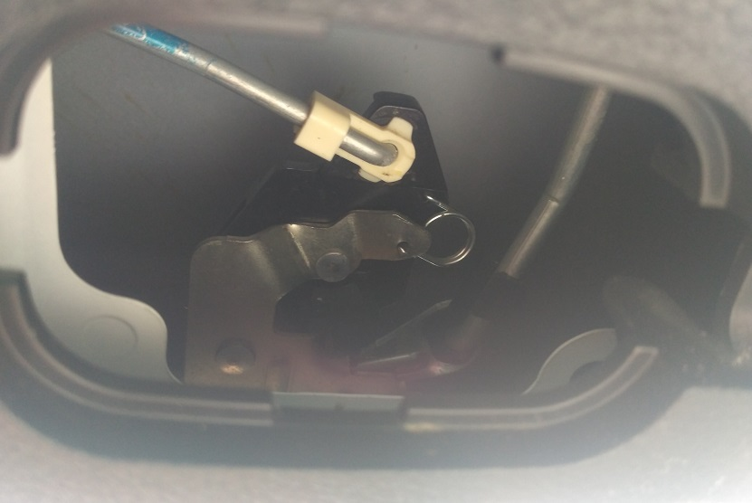 Hyundai Solaris привод замка задней двери