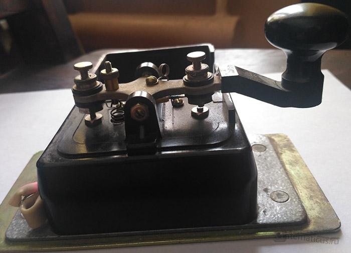 Код Морзе телеграфный ключ